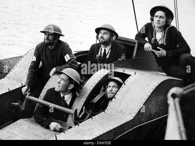 Royal Navy world war two. Anti aircraft gunnery director crew - Stock Image