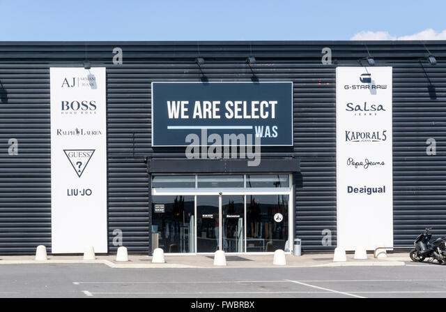 We Are Select shop in Beziers, France. - Stock Image