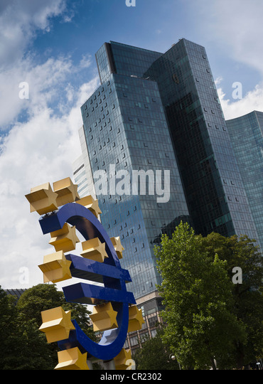 Sculpture of Euro symbol in city center - Stock Image