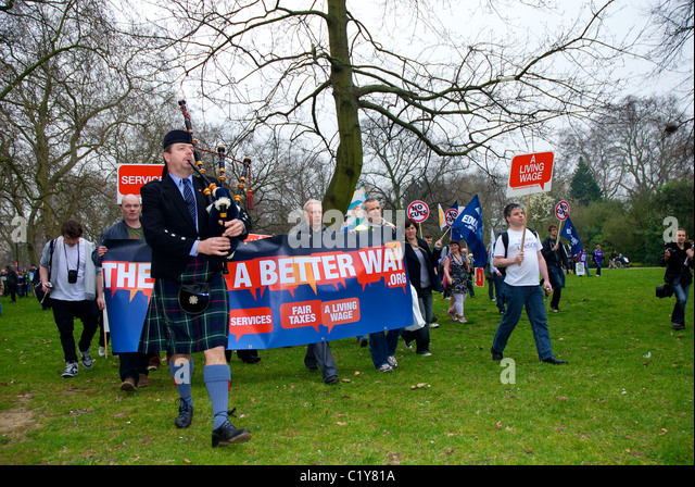 Piper in kilt at March for the Alternative rally organised by the TUC, London, England - Stock Image