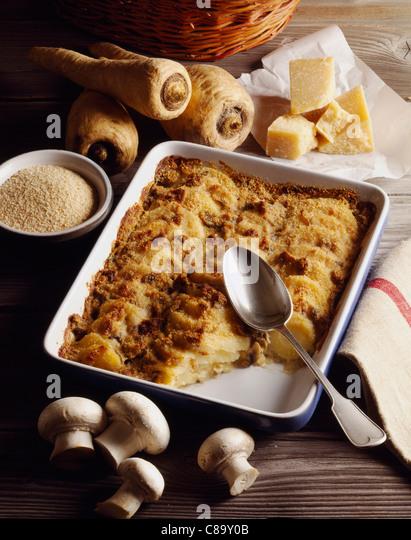 Crispy parsnip gratin - Stock Image