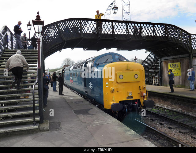 Preserved Deltic diesel D9019 'Royal Highland Fusilier' enters Sheffield Park station on the preserved Bluebell - Stock Image