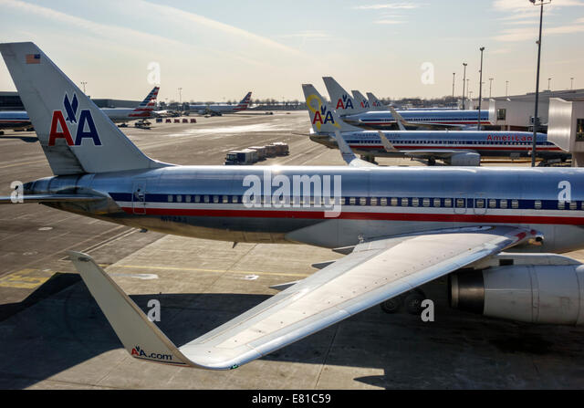 New York New York John F. Kennedy International Airport JFK terminal concourse gate area tarmac commercial airliner - Stock Image