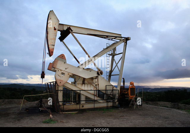 Derricks in oil well, California - Stock-Bilder