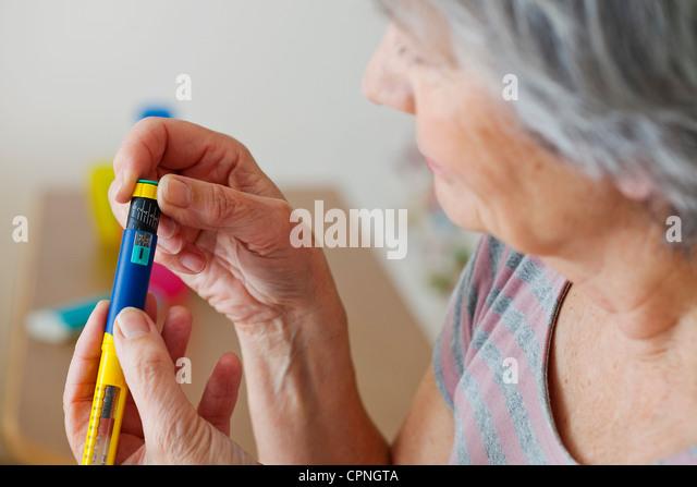 TREATING DIABETES IN ELDERLY P. - Stock Image