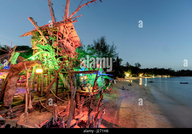 Hippie Bar, Tree House Bar, Buffallo Bay, Aow Kao Kwai,  Koh Phayam, Ranong, Thailand - Stock Image