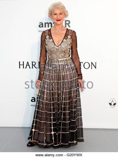 epa05317432 British actress Helen Mirren attends the Cinema Against AIDS amfAR gala 2016 held at the Hotel du Cap, - Stock Image