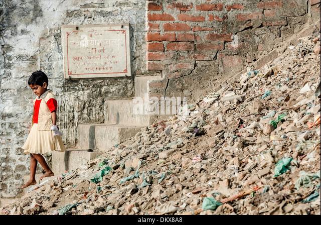 Varanasi, India, Girl on steps to Ganges - Stock-Bilder