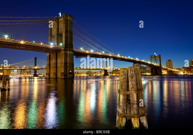 The Brooklyn and Manhattan Bridges spanning the East River, New York City, New York, USA - Stock Image