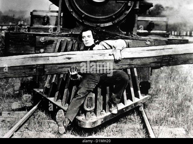 Der General  General,  Buster Keaton Mit Hilfe der Lok 'General' gelingt es dem Eisenbahner (Buster Keaton), - Stock Image