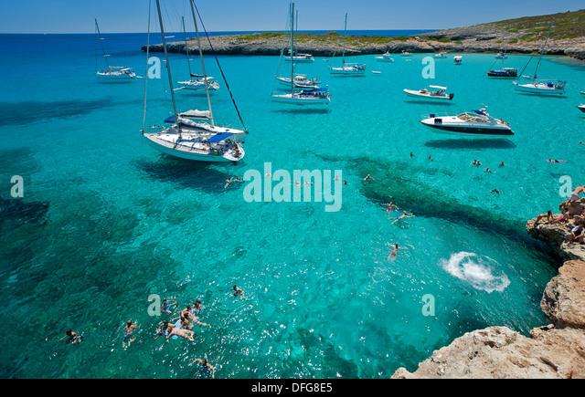 Sailing boats anchored at Cala Varques. Mallorca Island. Spain - Stock Image