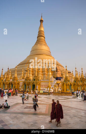 Myanmar Burma Asia Shwedagon Yangon Rangoon architecture Buddha Buddhism clean colourful pagoda golden peaceful - Stock-Bilder