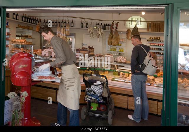 Vienna Naschmarkt food stall - Stock Image