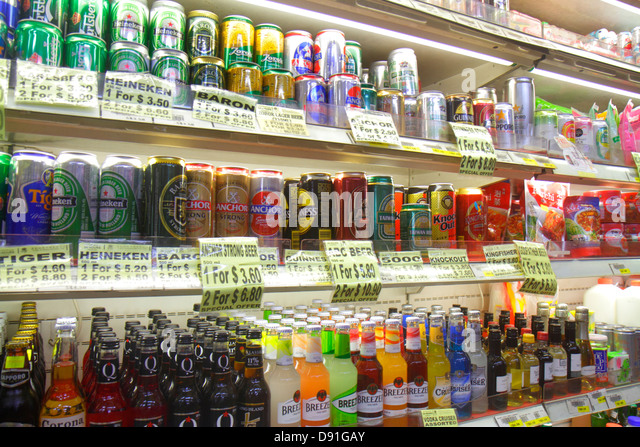 Singapore Jalan Besar convenience store alcoholic drinks bottles cans beer for sale - Stock Image