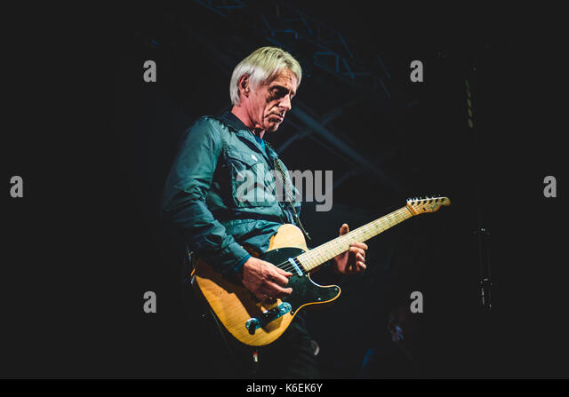 Genova, Italy. 11th Sep, 2017. Paul Weller performing live on stage at the Porto Antico in Genova for his 'A - Stock Image
