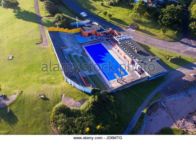 Outdoor swimming pool lido stock photos outdoor swimming - Open air swimming pool portishead ...