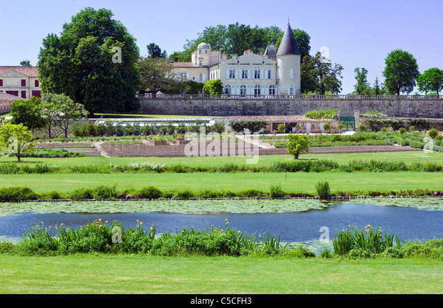 Château Lafite Rothschild on a clear sunny day - Stock Image