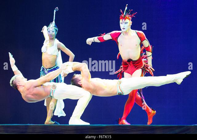 Houston, Texas, USA. 19th November, 2015. November 19, 2015:  Cirque du Soliel acrobats perform during the Opening - Stock Image