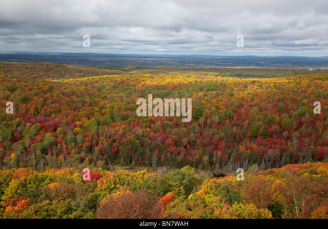 View from St. Peter's Dome at 1600 ft, the summit of Chequamegon National Forest, WI - Stock-Bilder