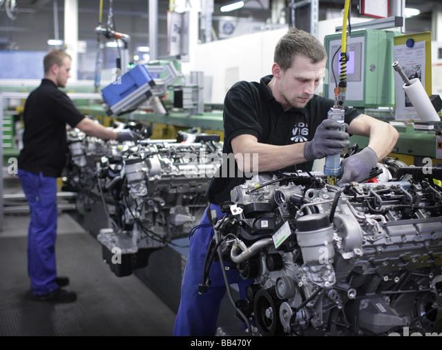 Produktionsstaette stock photos produktionsstaette stock for Mercedes benz employee