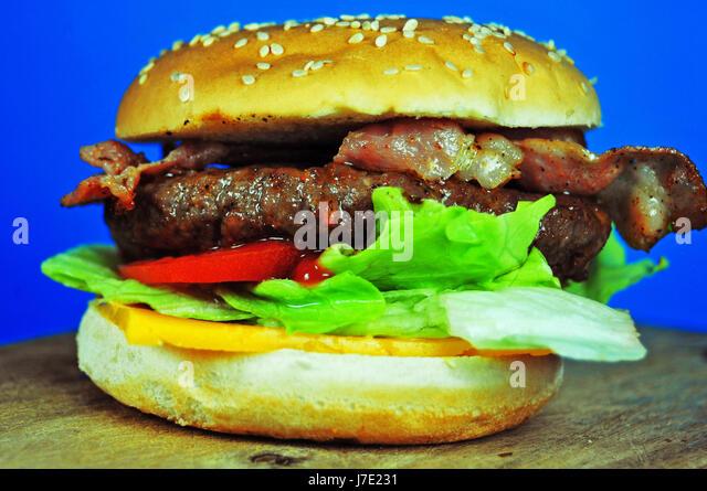 Hamburger with Bacon and Cheese - Stock-Bilder