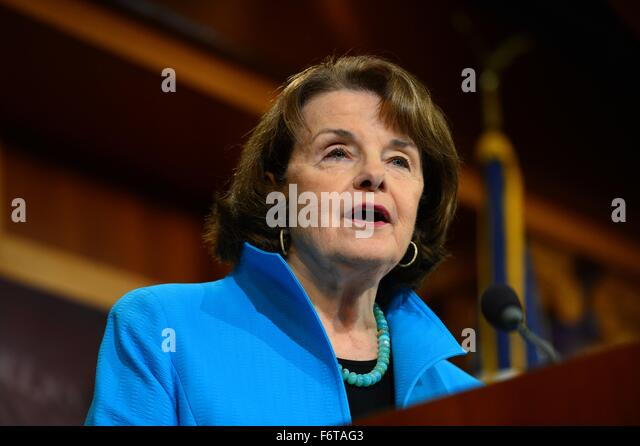 Washington DC, USA. 19th November, 2015. U.S. Senator Dianne Feinstein joined by other Democrats discusses their - Stock Image