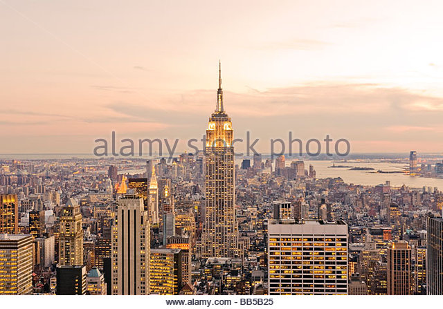 New York Skyline Manhattan Skyline New York City Skyline Empire State Building View of New at Dusk - Stock Image