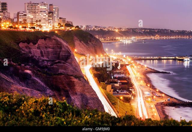 Peru, Lima, Miraflores, Cliffs of Miraflores at sunset - Stock Image