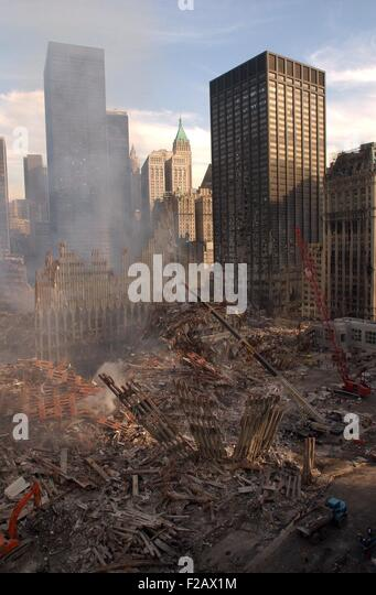 View of Ground Zero from the northwest after the 9-11 terrorist attacks. In the left foreground are the ruins of - Stock-Bilder