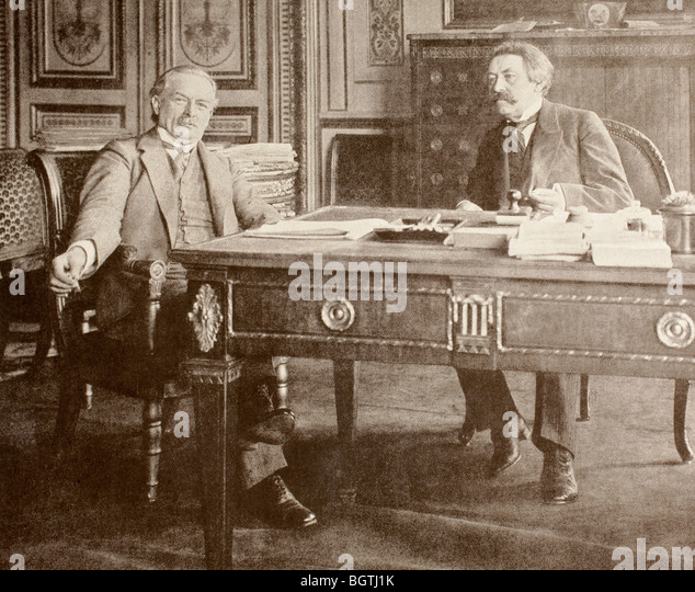 David Lloyd George, British Secretary of State for War meets French Prime Minister Aristide Briand in Paris, 1916. - Stock Image