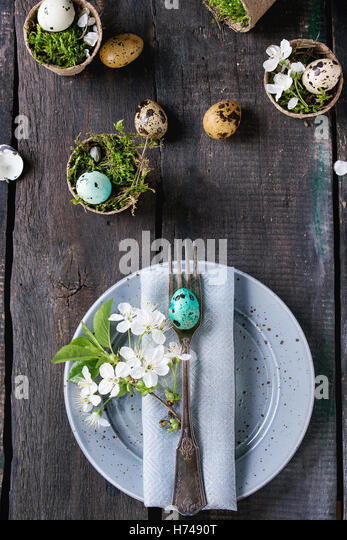 Colorful Easter quail eggs - Stock Image