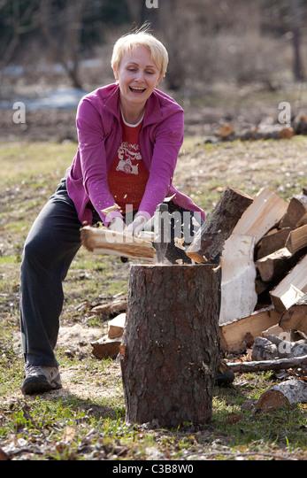 nenets woman cutting firewood - photo #30