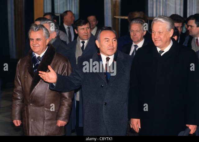 Kazakhstan Pres. Nazarbayev  with Ukrainian Pres. Kravchuk and Russian Pres. Yeltsin at CIS ceremony in Alma-Ata, - Stock Image