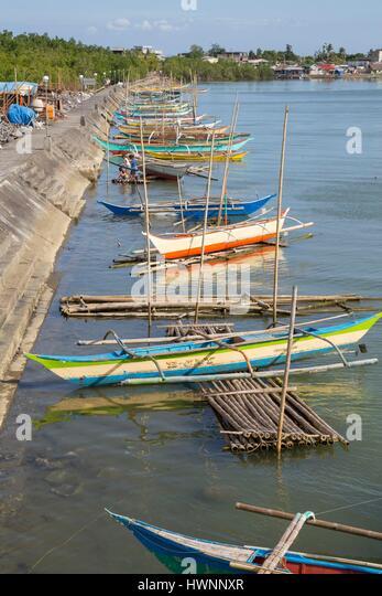 Philippines, Luzon, Sorsogon Province, Donsol, fishing boats along the jetty - Stock-Bilder