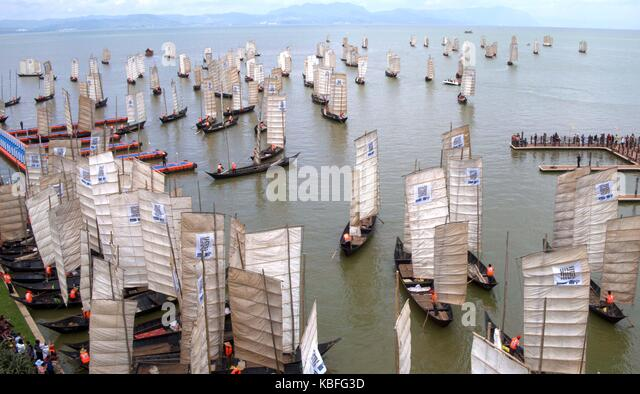 Kunming, China's Yunnan Province. 30th Sep, 2017. Boats set sail for fishing on the Dianchi Lake in Kunming, - Stock Image