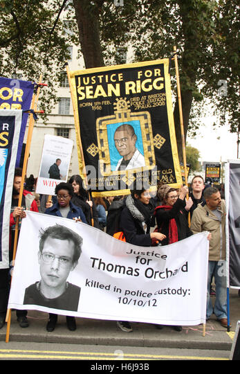 London, UK. 29th October, 2016. THomas Orchard and Sean Rigg banners seen at the annual United Families and Friends - Stock Image