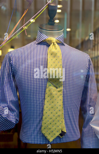 Clothing store, shirt and tie, NYC - Stock Image