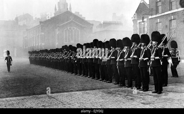 The Honourable Artillery Company form up, London, circa 1910. P015232 - Stock Image