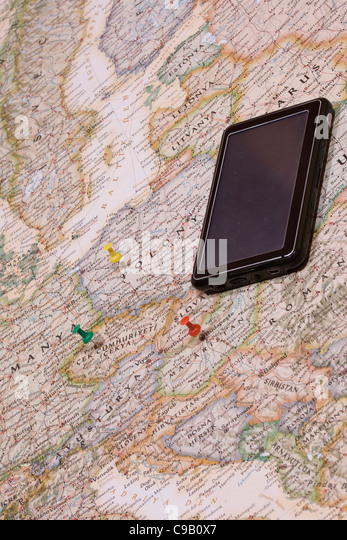 pins showing the location of a destination point on a map - Stock-Bilder