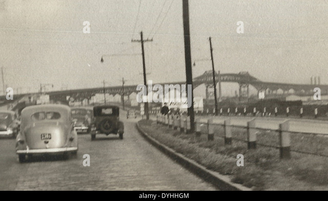 Traffic on the road in New Jersey, USA circa 1941 - Stock Image