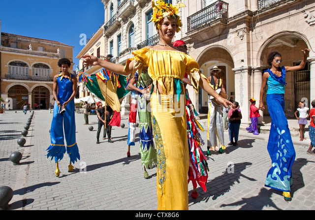 Street Entertainers, Old Havana, Cuba - Stock Image