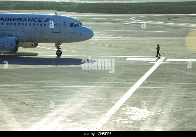 Aircraft parking stock photos aircraft parking stock - China southern airlines london office ...