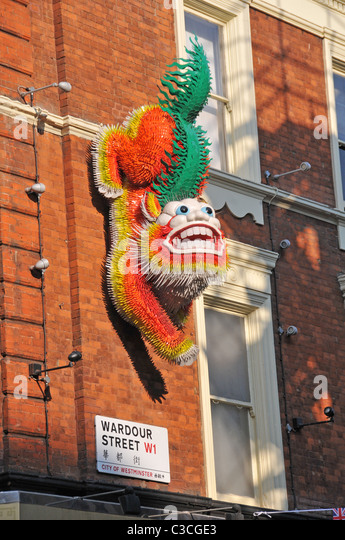 how to get to chinatown london