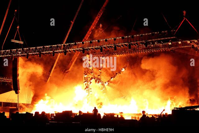 Fire Breaks out on the stage during the Maharashtra Night, as part of the Make in India Week in Mumbai, India - Stock-Bilder
