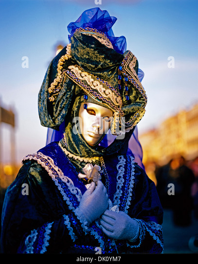Participant in costume at the annual masked Carnival, Venice, Italy, Europe - Stock Image