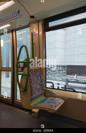 tramway sur pneus stock photos tramway sur pneus stock images alamy. Black Bedroom Furniture Sets. Home Design Ideas
