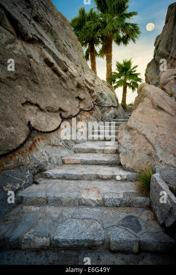 Stone step pathway at Silver Rock Golf Resort. La Quinta, California - Stock-Bilder