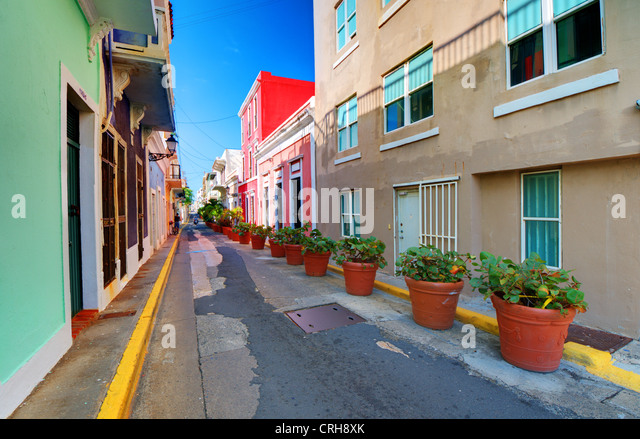 Alley in the old city of San Juan, Puerto Rico. - Stock Image