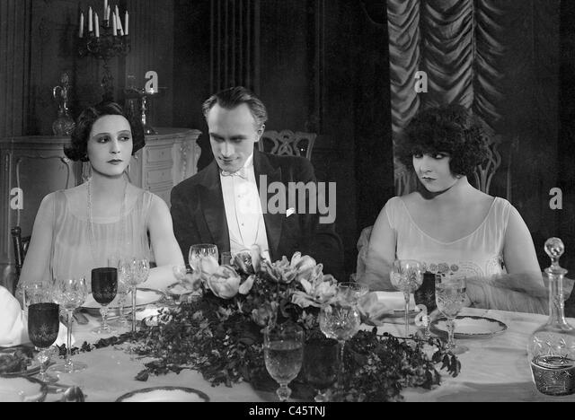 Lia Eibenschuetz, Conrad Veidt and Lucy Doraine in 'Fate', 1925 - Stock Image