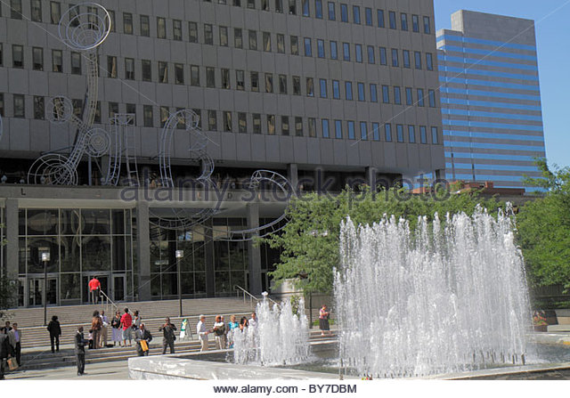 Baltimore Maryland Hopkins Plaza G. H. Fallon Federal Building government urban space fountain aluminum sculpture - Stock Image